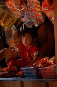 Kleine Thaiverkaeuferin