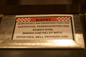 Krude Übersetzungen durchziehen das Buffet wie Fett das Fleisch