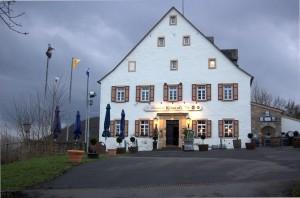 Restaurant und Whiskymuseum am Fuße der Kyrburg