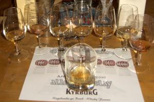 7 Islay Whiskys warten auf ihre Verkostung